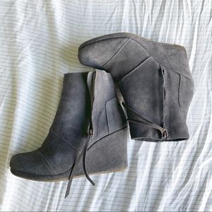 TOMS Suede Desrhi Gray Wedge Bootie Size 8